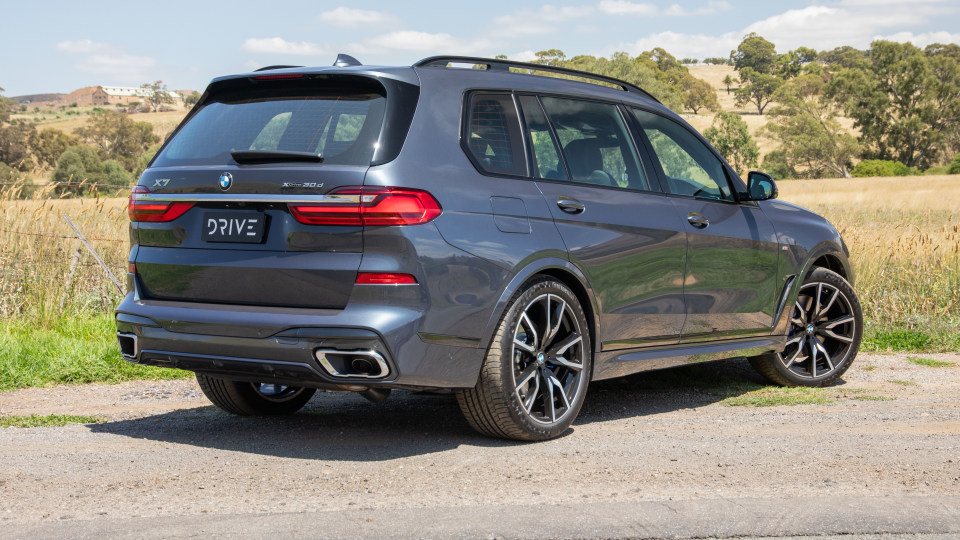 Drive Car of the Year Best Upper Large Luxury SUV 2021 BMW X7 rear