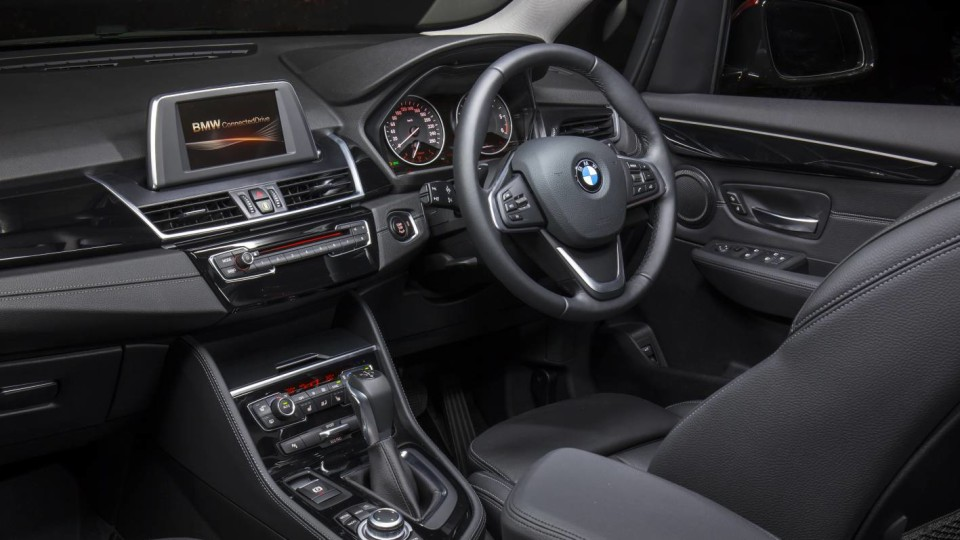2015_bmw_2_series_active_tourer_218i_review_05