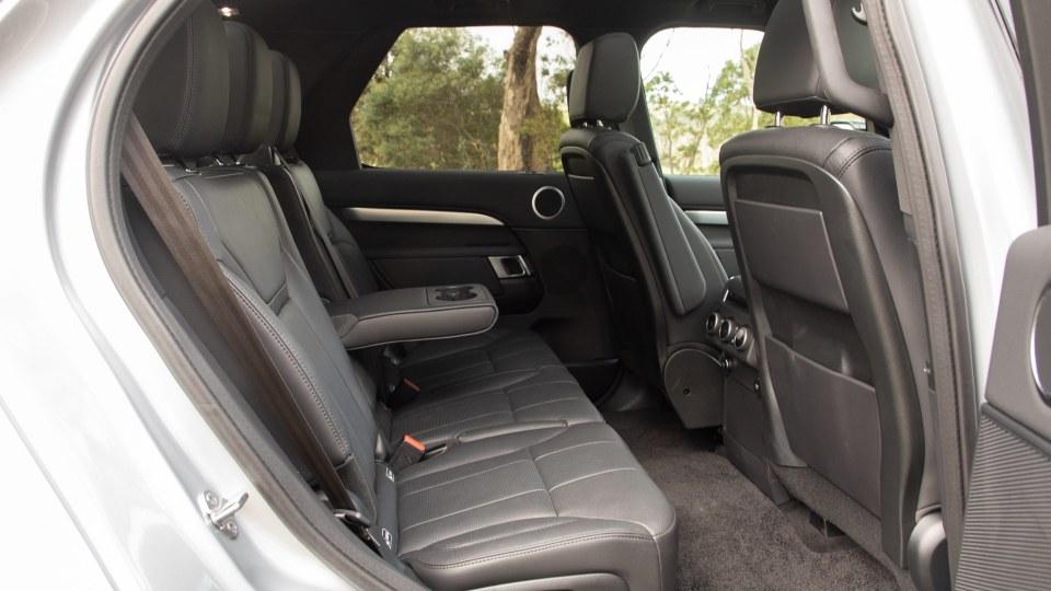 2020 Land Rover Discovery Landmark SDV6 review-3
