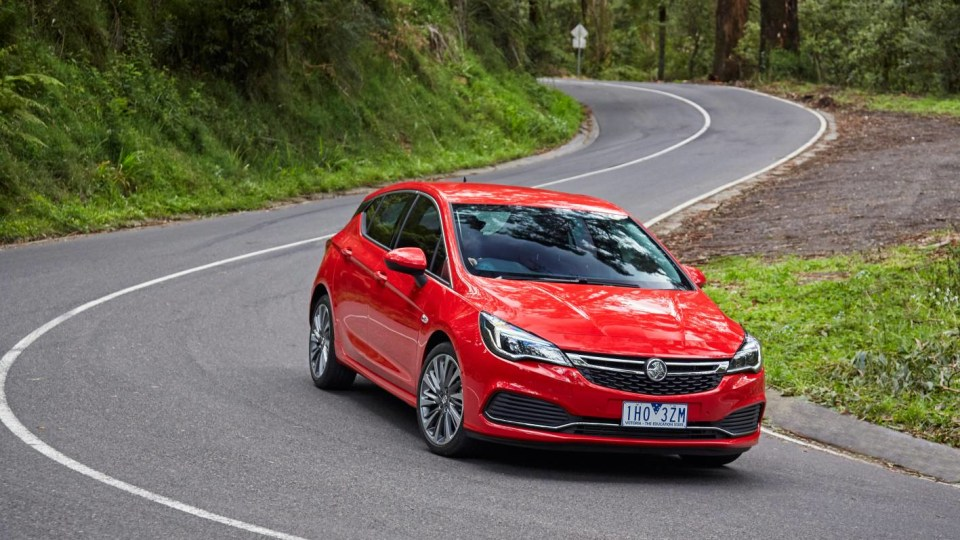 Holden Astra Used Car Review-2