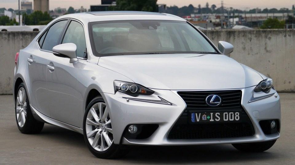2013 Lexus IS300h Luxury Hybrid Review