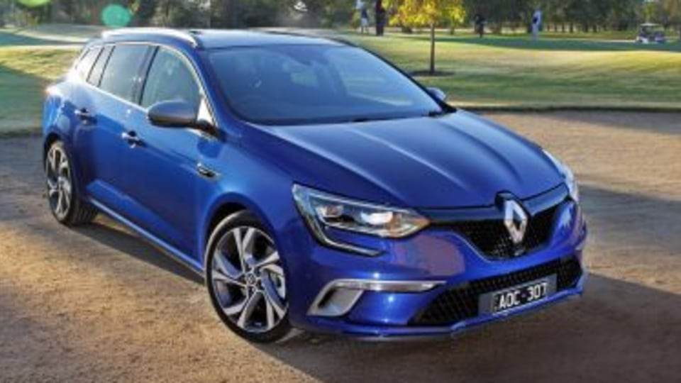 2017 Renault Megane wagon new car review