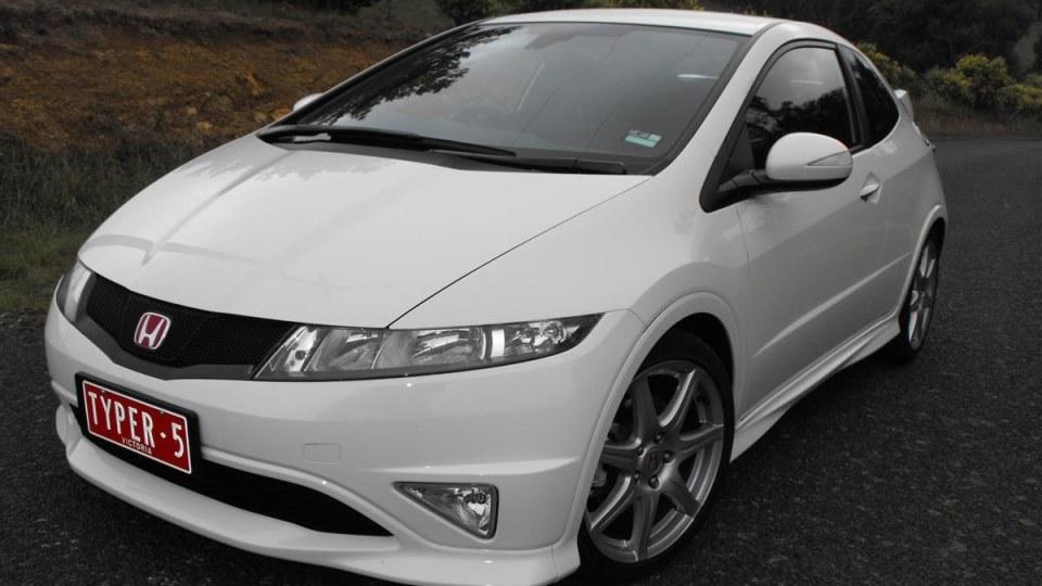 2009_honda-civic_type-r_road-test-review_12.jpg
