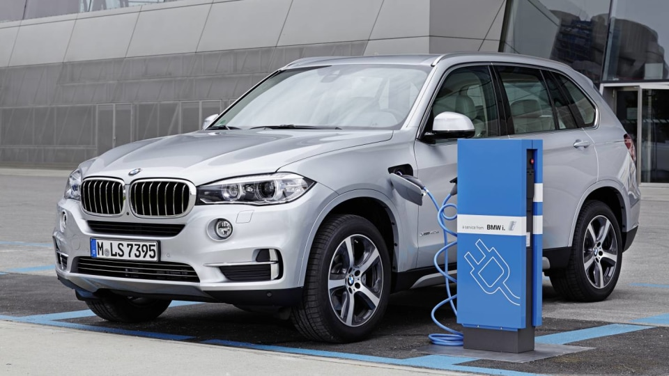 2016 BMW X5 xDrive40e - Prices and Specifications For BMW's First Plug-In Hybrid SUV