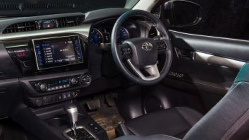 2017 Toyota HiLux SR5.
