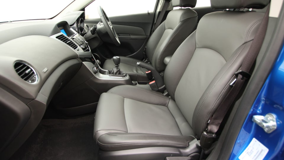 2009_holden-cruze_cdx_and-cruze-cd-diesel_road-test-review_084.jpg