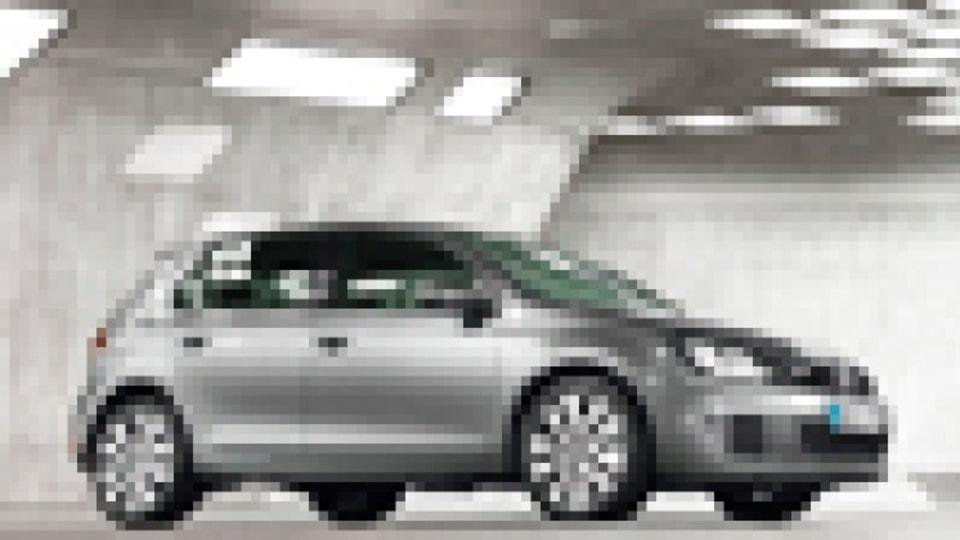 2009 Volkswagen Golf GTI in white