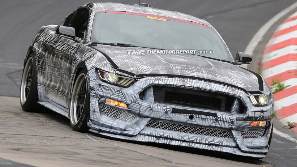 2015_ford_mustang_svt_spy_photos_01a