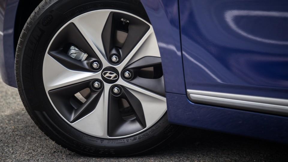 2019 Hyundai Ioniq Electric review-0