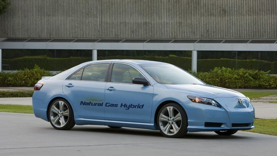 toyota-cng-camry-hybrid-concept.jpg