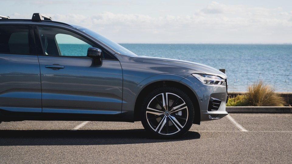 2021 Volvo XC60 T6 R-Design review-2