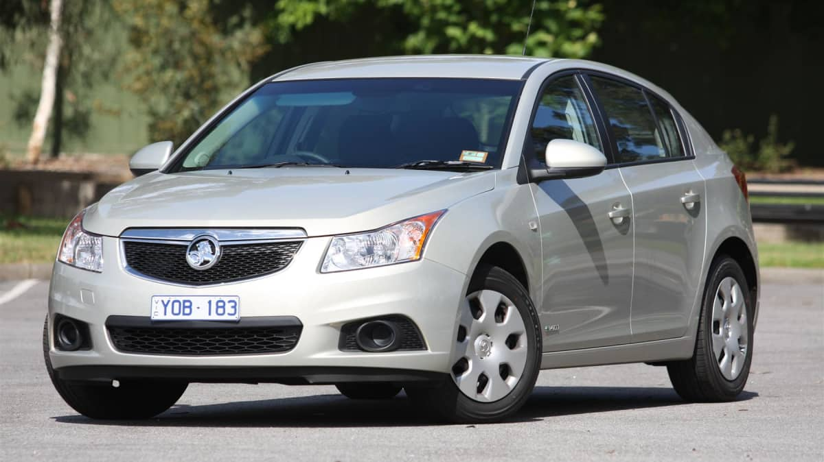 2011_holden_cruze_hatch_review_03