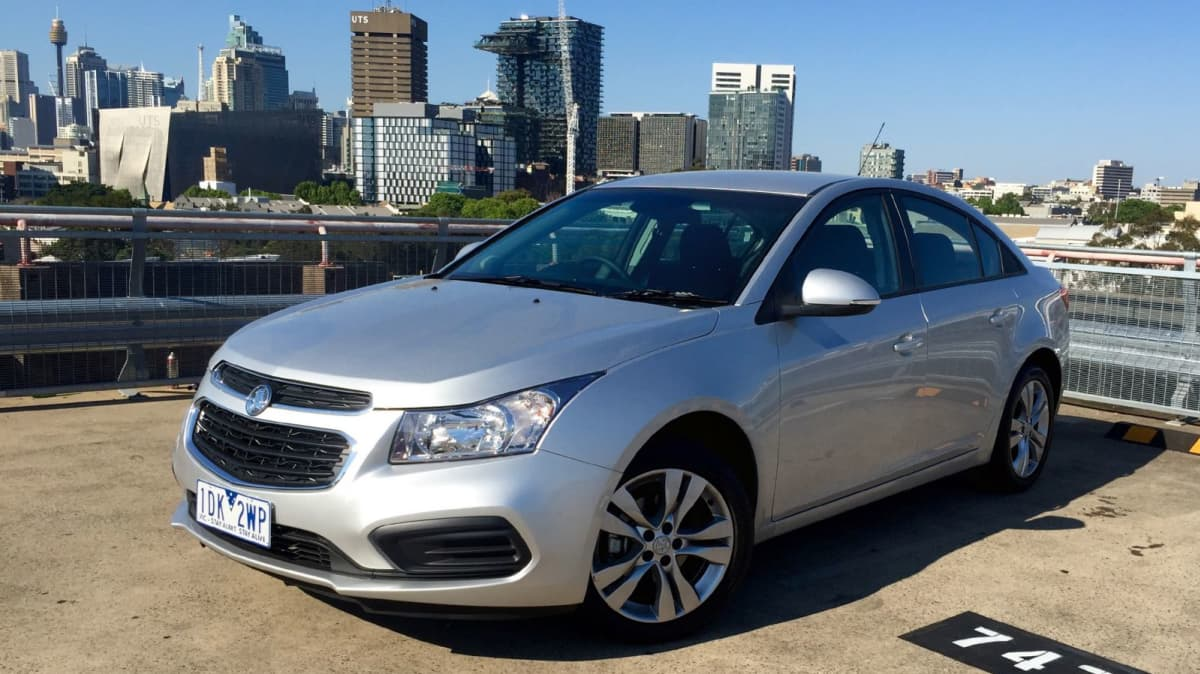 2016 Holden Cruze Equipe 1.8 Automatic REVIEW | No Flash Harry, But Honest Value