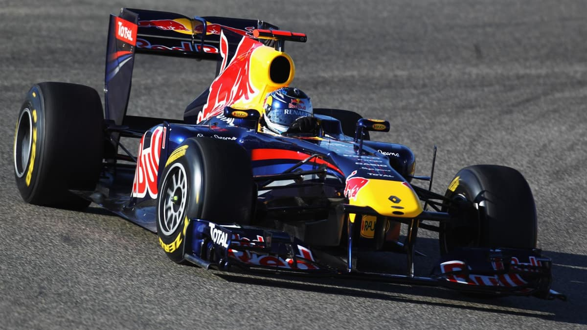 2011_red_bull_rb7_f1_race_car_05