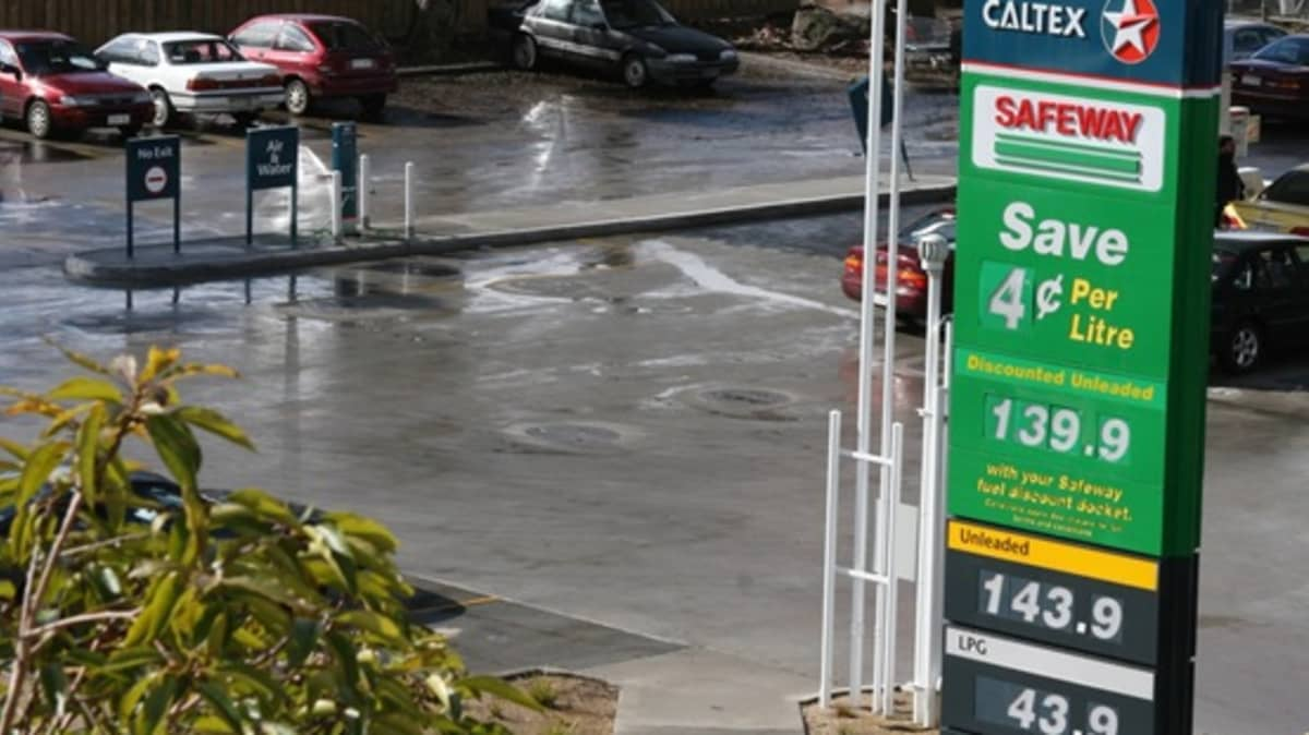 VACC And ACCC Butt Heads On Petrol Discounts