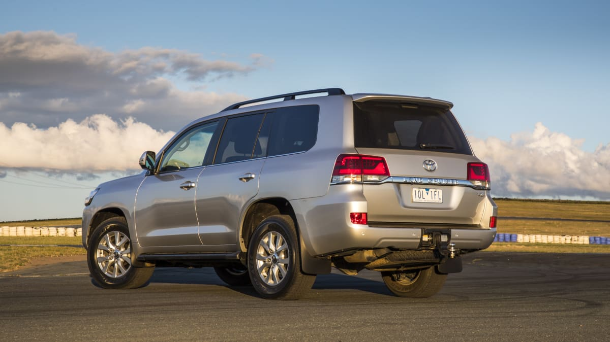 2020 best upper large suv lc200 exterior rear