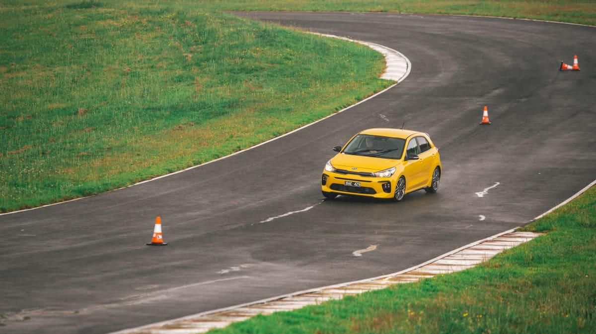 2021 best city car finalist kia rio road test