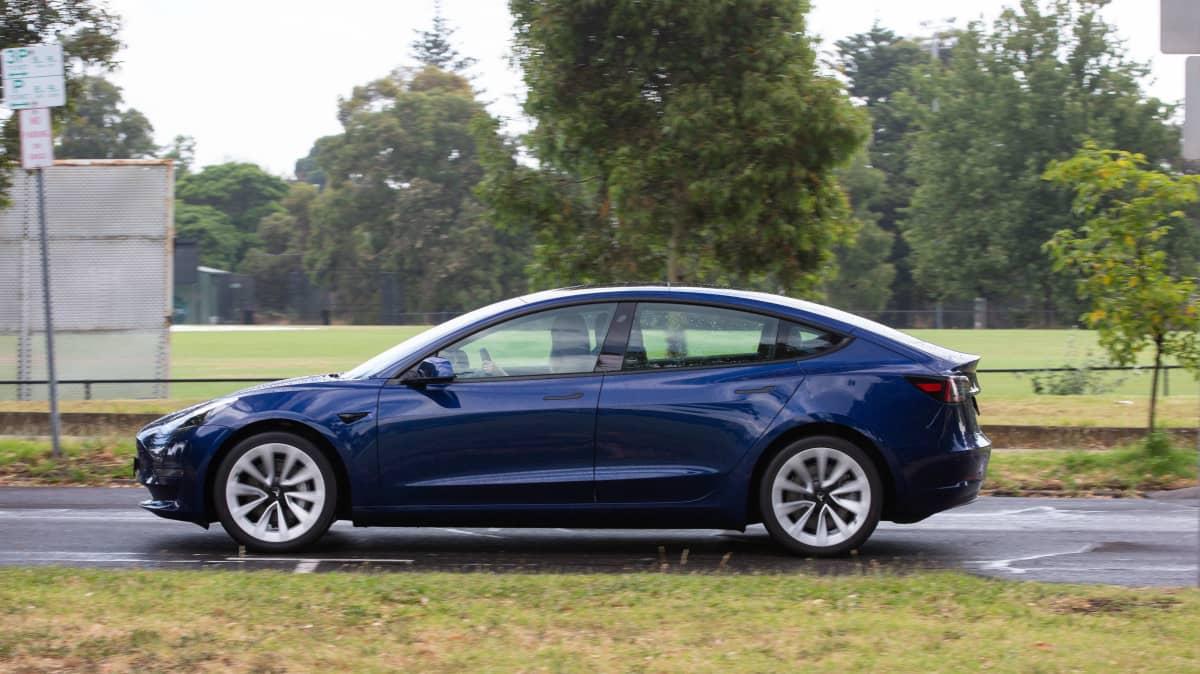 2021 Tesla Model 3 Long Range review-2