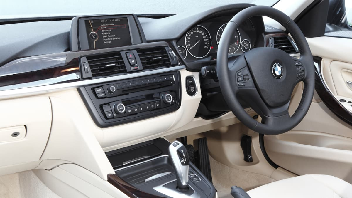 2012_bmw_320i_road_test_review_10