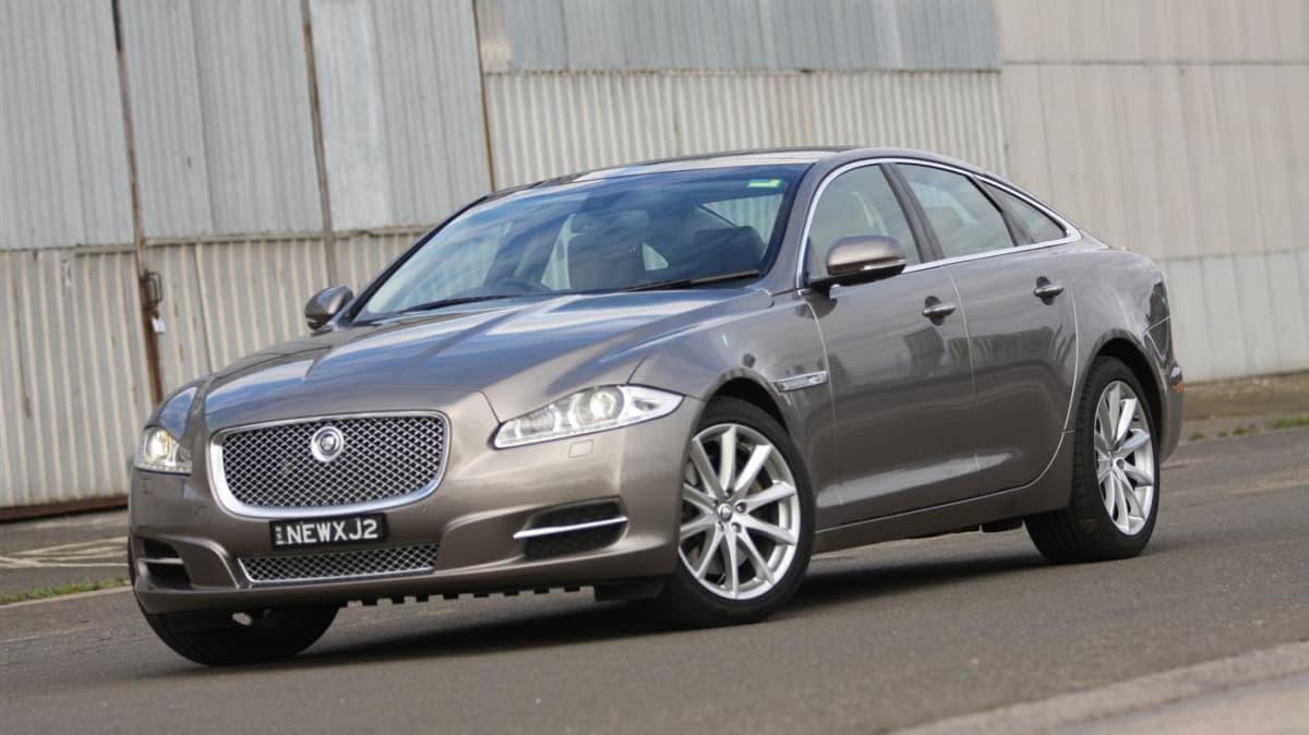 2011_jaguar_xj_diesel_road_test_review_04