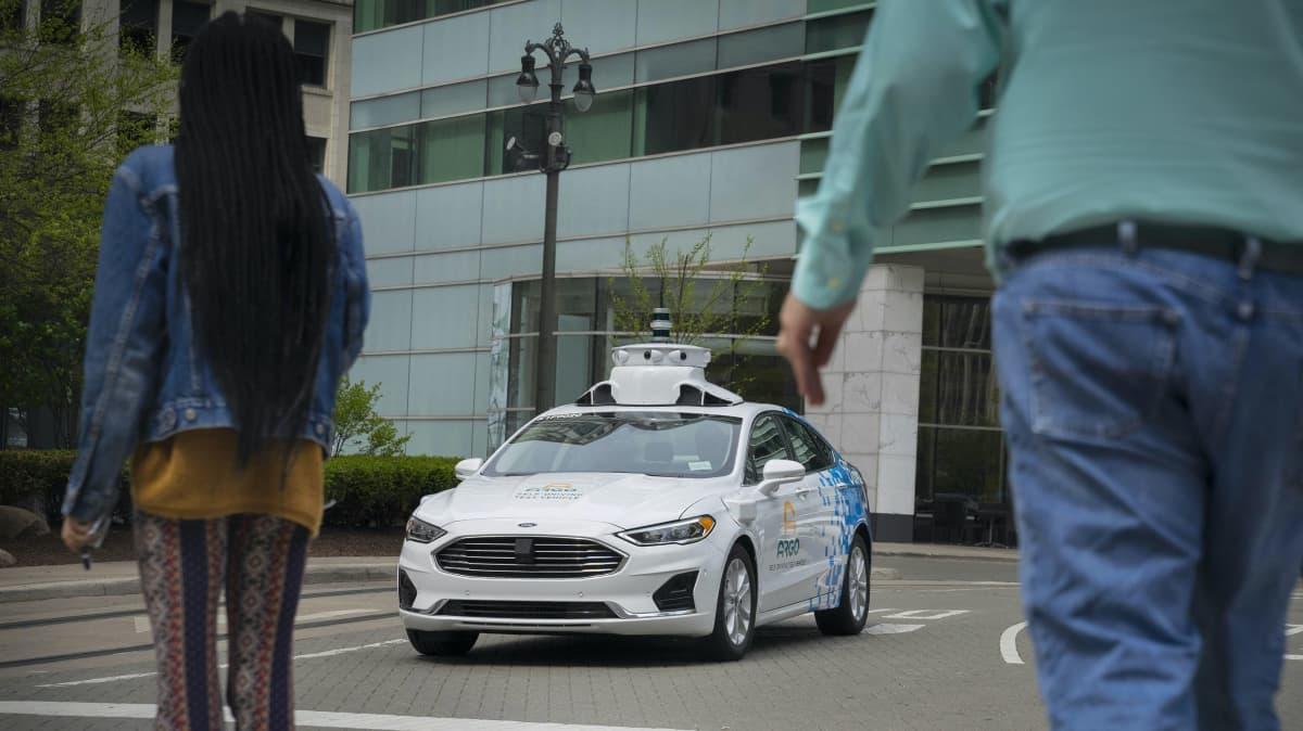 Autonomous cars won't eliminate crashes - report