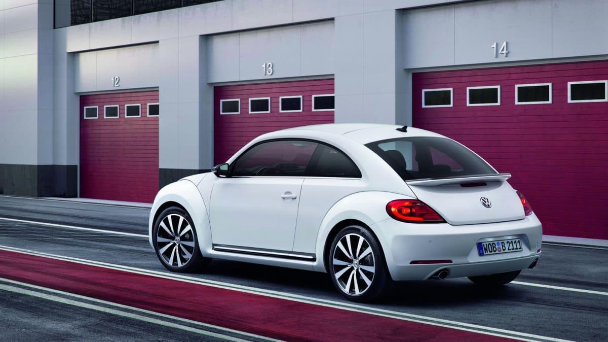 2012_volkswagen_beetle_08