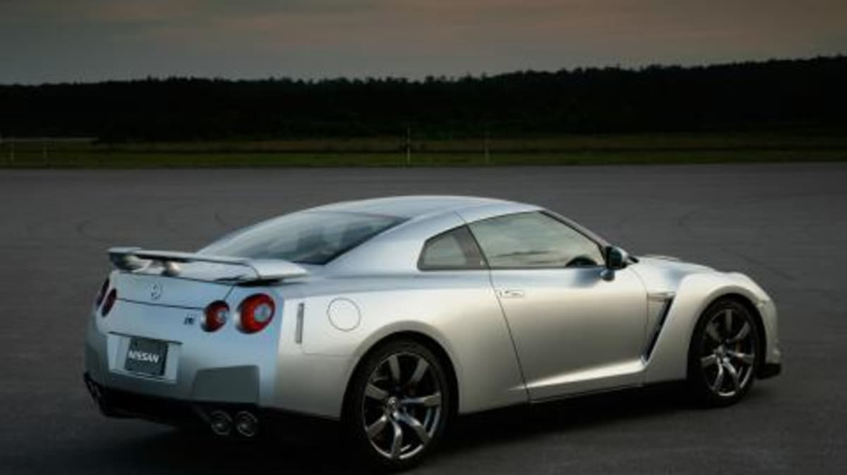 Nissan to offer Race Academy for UK GT-R buyers