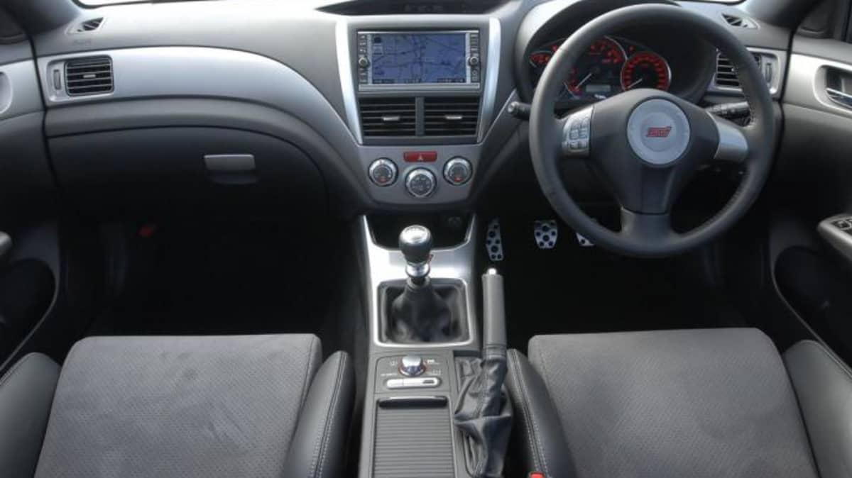 2008-wrx-sti-interior-2.jpg