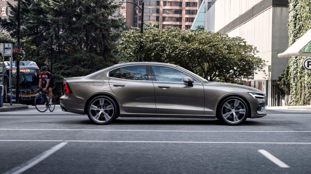 2019 Volvo S60 T5 international review-0