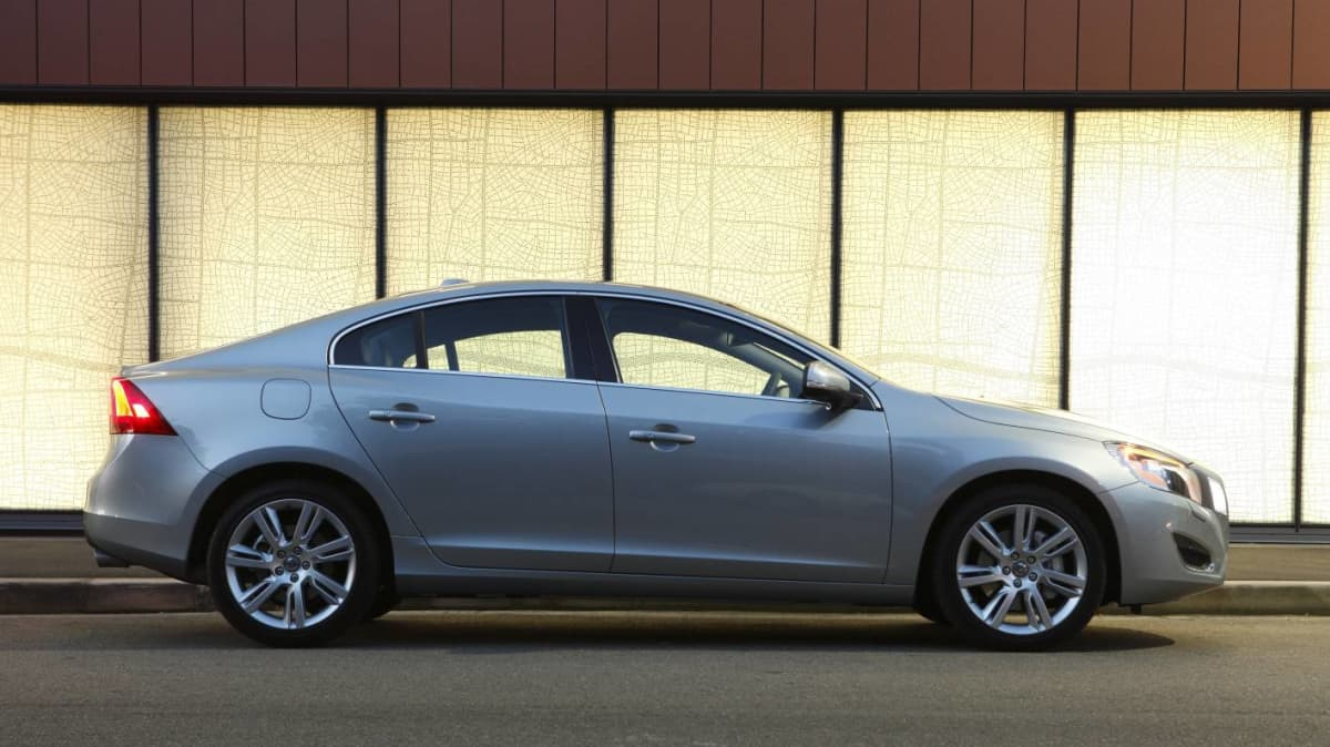 2011_volvo_s60_t6_review_05