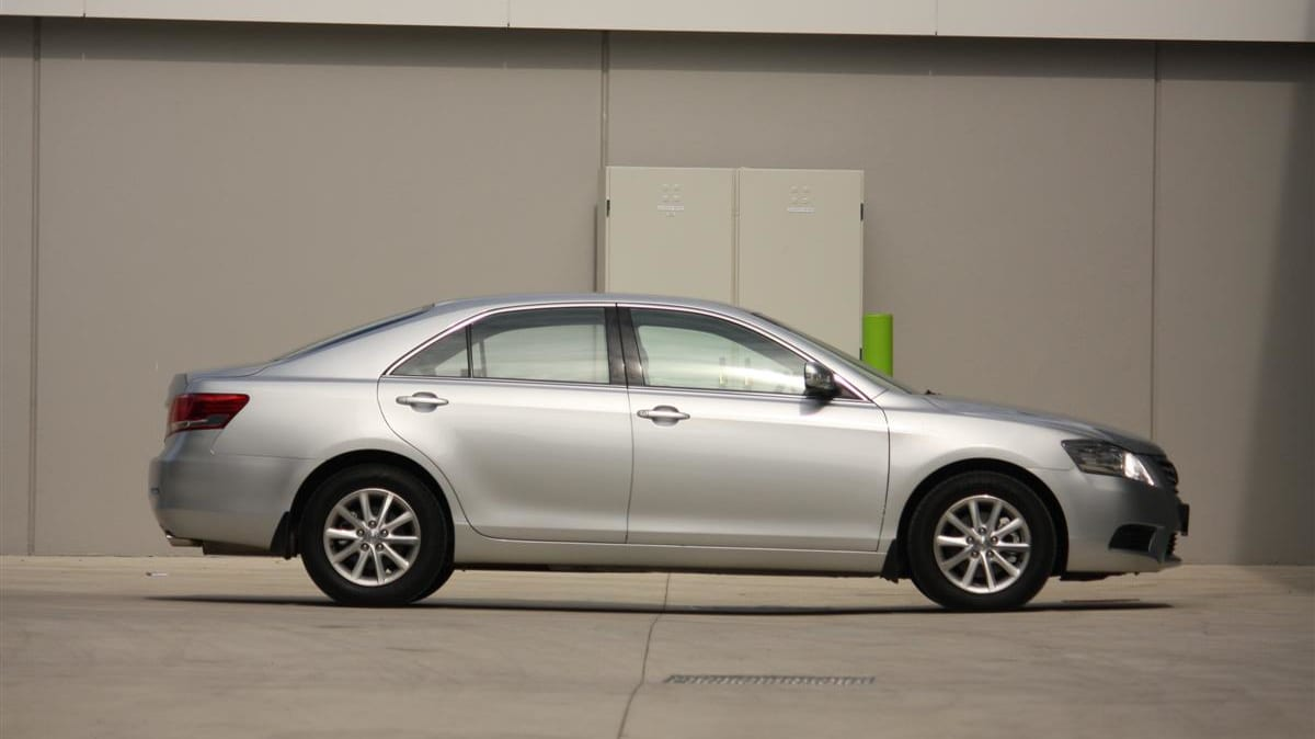 2010_toyota_aurion_at_x_road_test_review_header_51