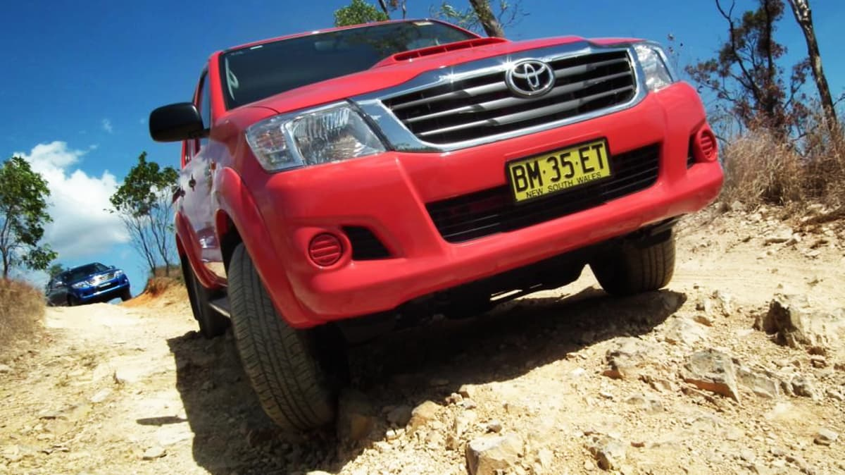 2012_toyota_hilux_road_test_review_01