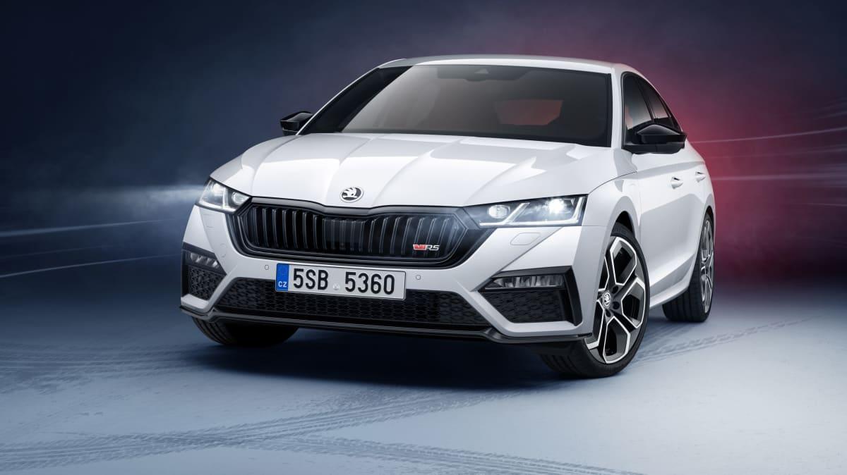 2020 Skoda Octavia RS iV: Plug-in hybrid performer revealed