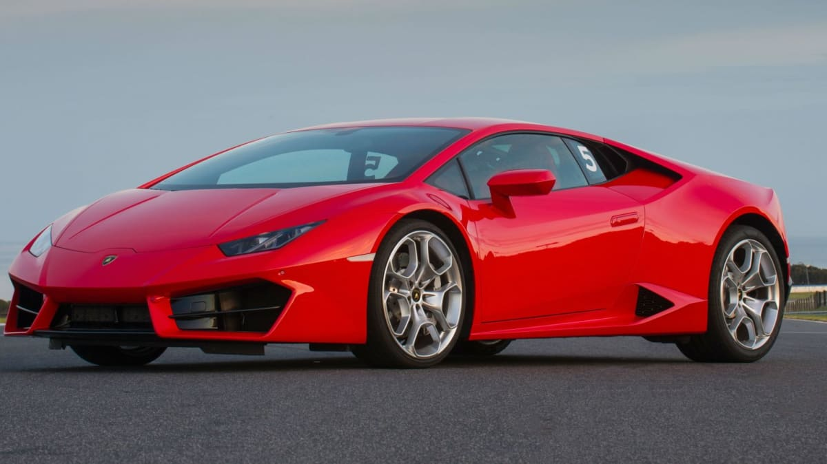 2016 Lamborghini Huracan LP 580-2 REVIEW | One Mighty Righteous Animal