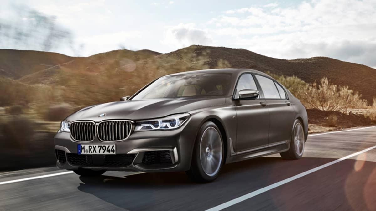 BMW M760Li.