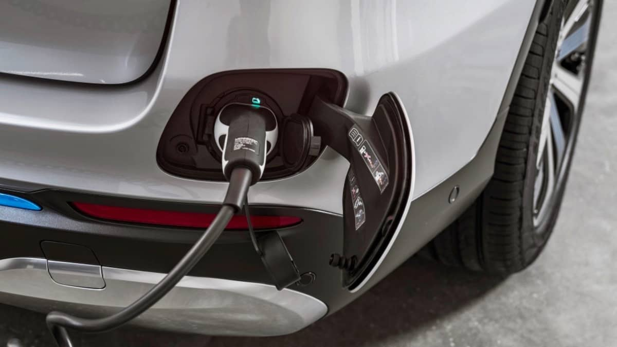 Recycled Mercedes Batteries Could Power Your House