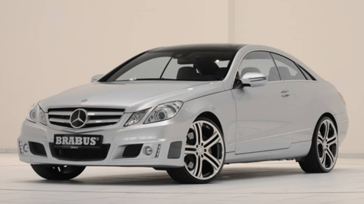 2010 Mercedes-Benz E-Class Coupe Gets 345kW From Brabus