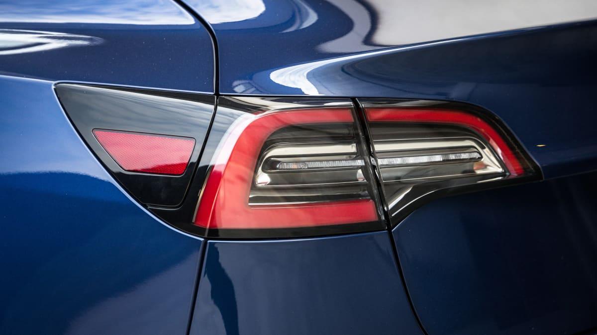 2020 Tesla Model 3 Standard Range Plus review-3