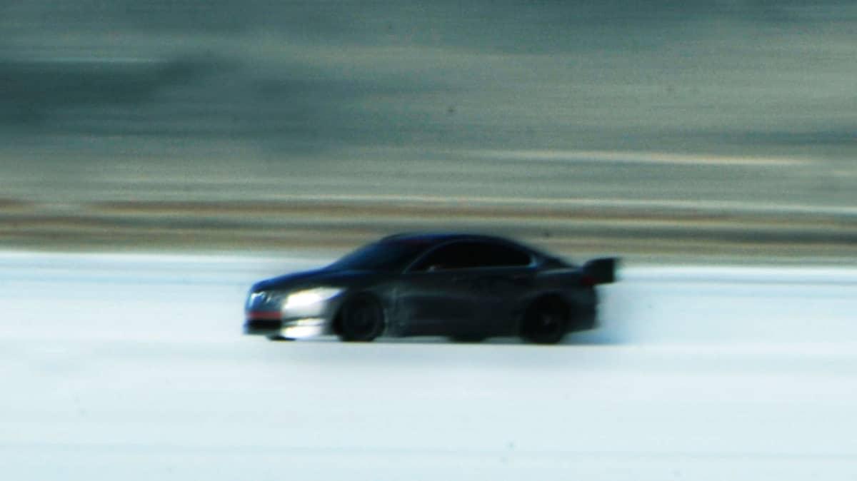 jaguar-xfr-prototype-at-bonneville-salt-flats_9.jpg
