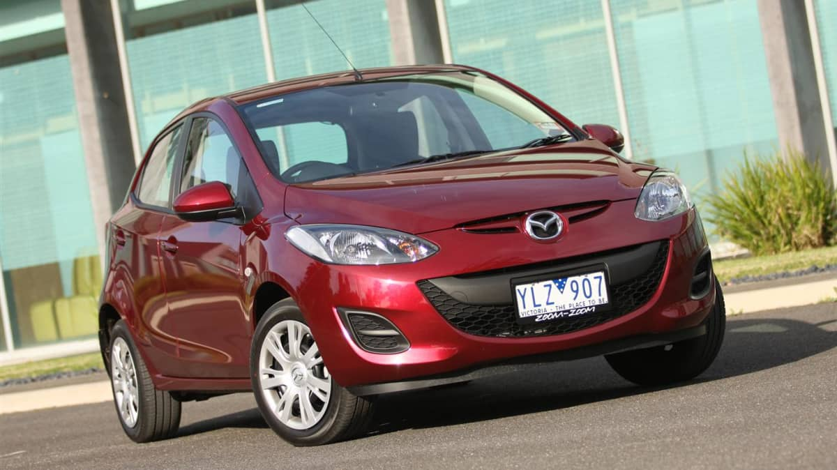 2011_mazda2_neo_review_00a