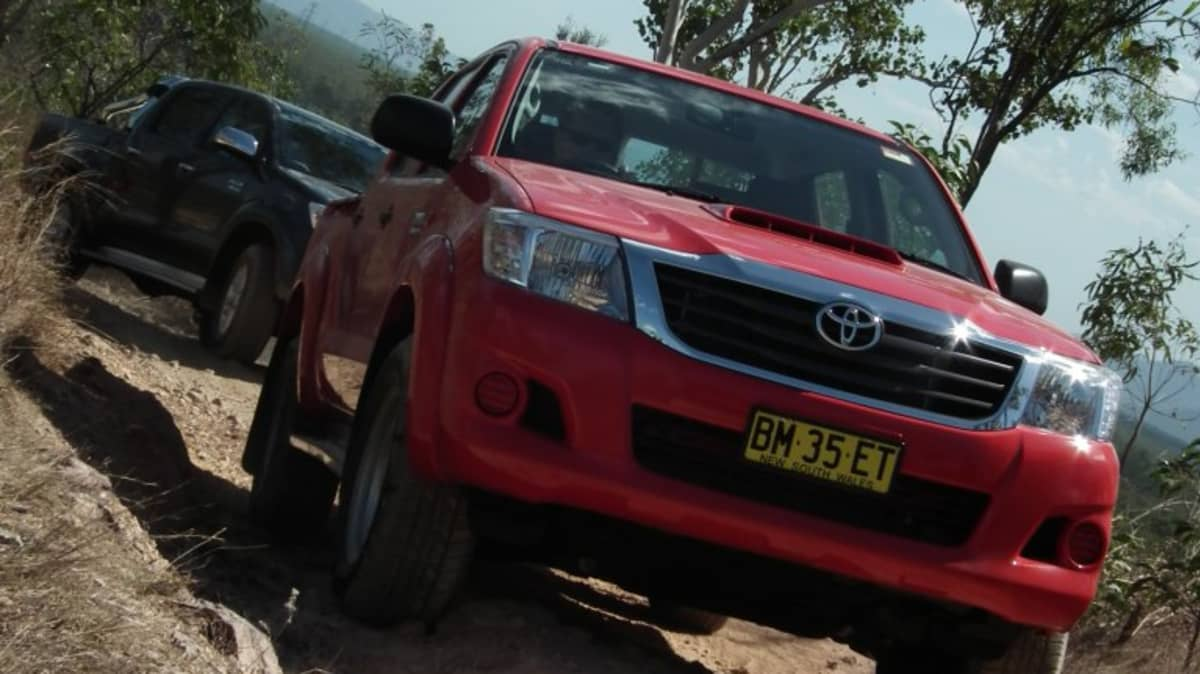 2012_toyota_hilux_road_test_review_03