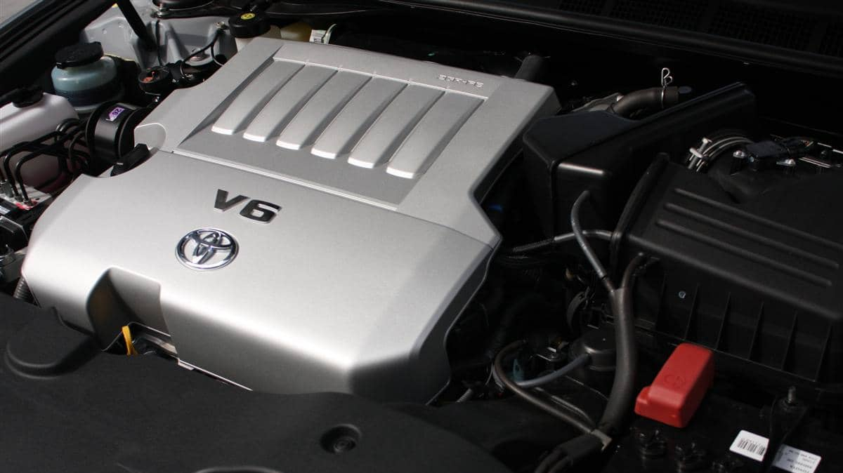 2010_toyota_aurion_at_x_road_test_review_header_53