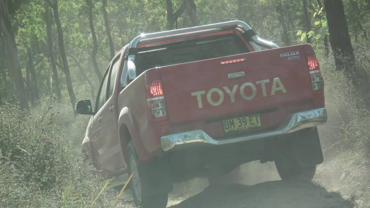 2012_toyota_hilux_road_test_review_16