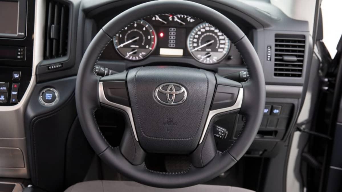 Toyota LandCruiser 200 Series GXL.