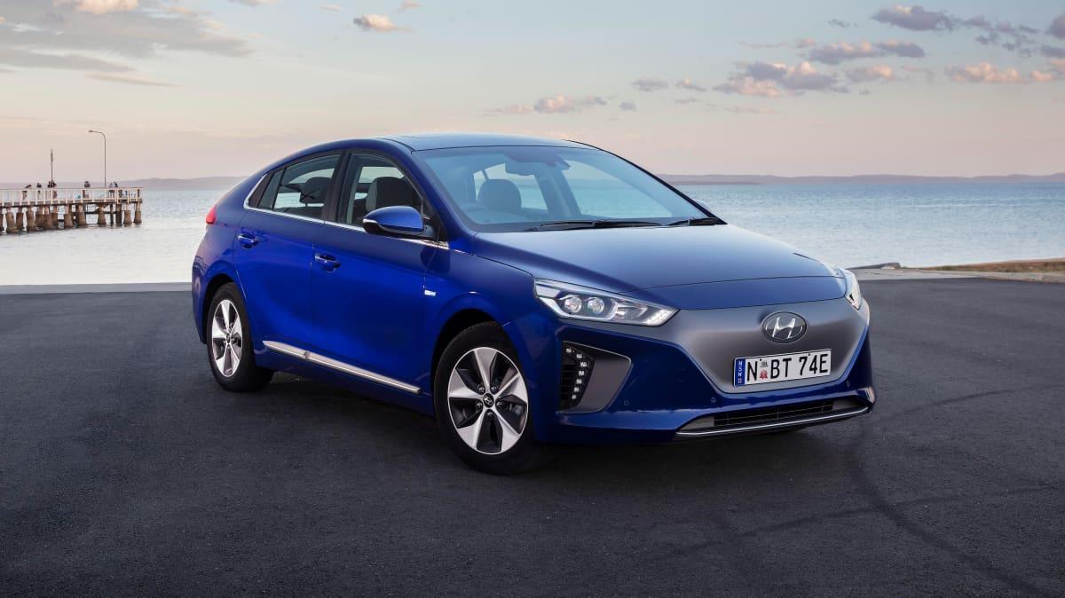 Hyundai Ioniq 2018 new car review-0