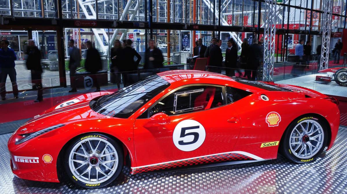 Ferrari 458 Challenge Makes World Debut At Bologna