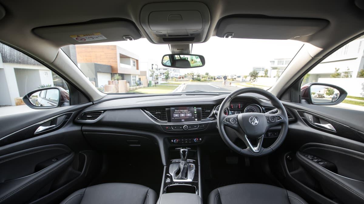 2019 Holden Calais Tourer review-0