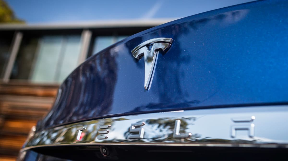 Tesla remotely removed features from a Model S - report