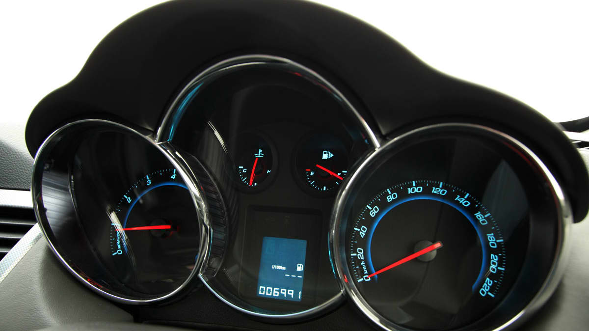 2009_holden-cruze_cdx_and-cruze-cd-diesel_road-test-review_083.jpg