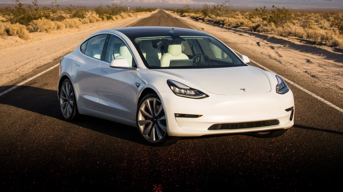 Elon Musk to personally review Tesla expenses due to cash situation